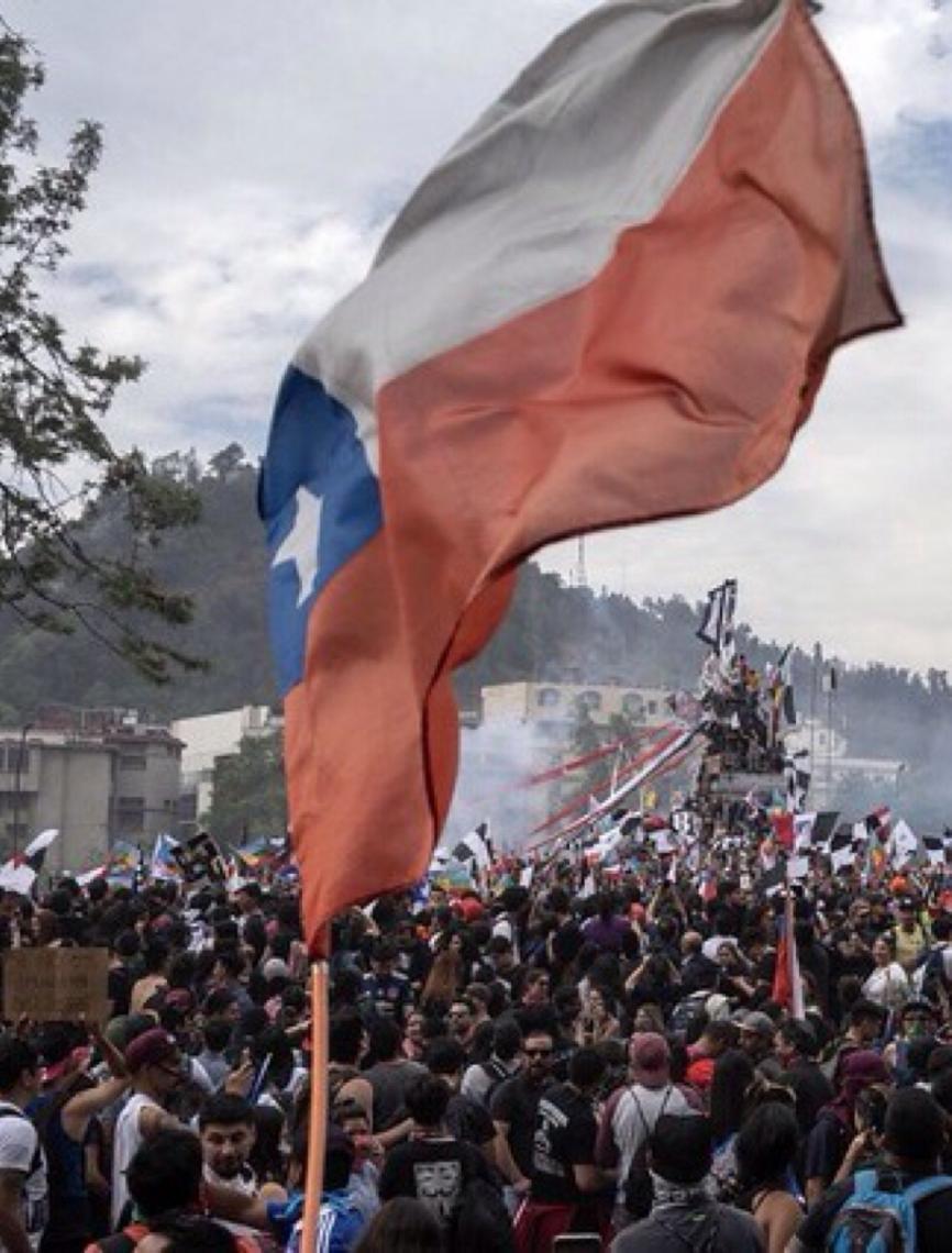 Por que o Chile ainda tem uma Constituição herdada da ditadura? Entenda