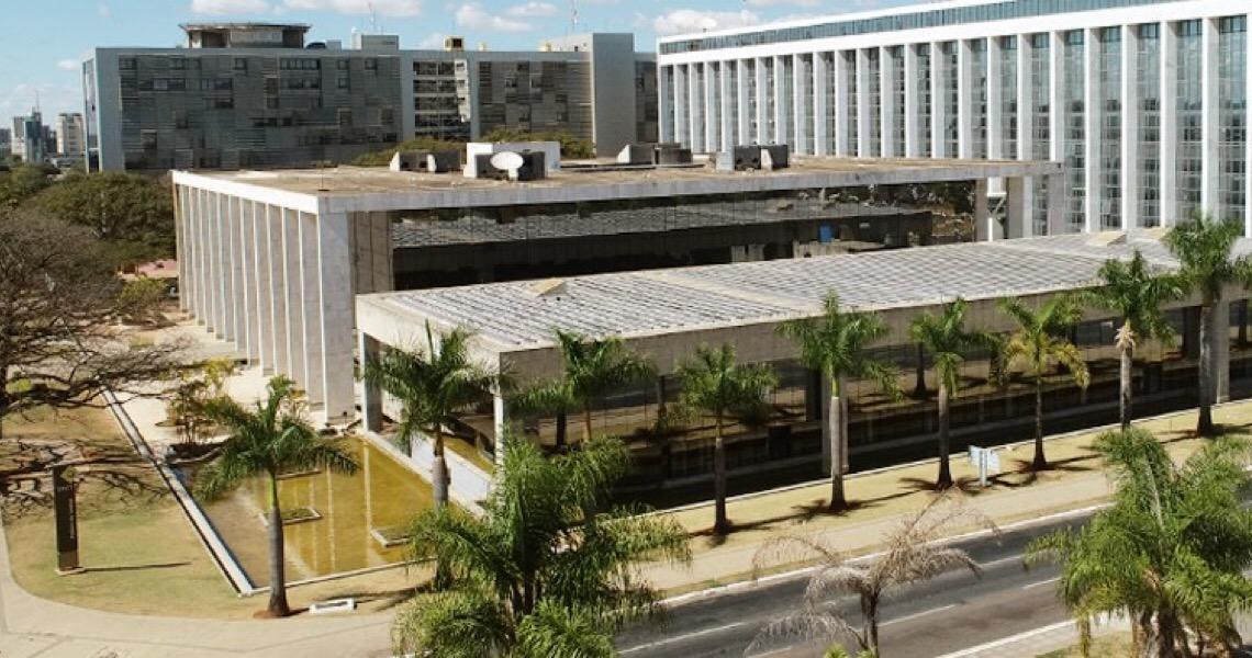 Turma mantém suspensão de cláusula arbitral em contrato firmado entre DF e CENTRAD