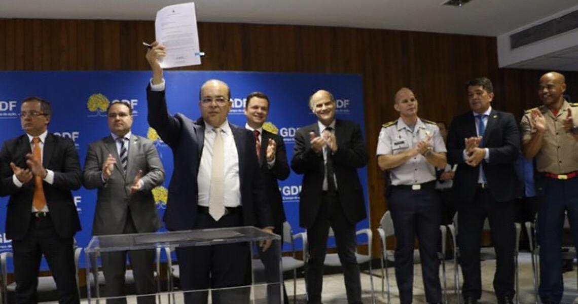 Bombeiros e PMs rejeitam oferta de 32% do Governo do Distrito Federal