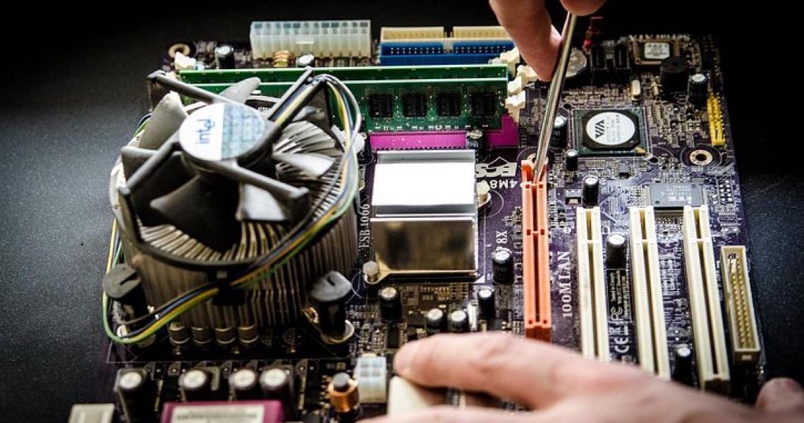 No radar de empresas estrangeiras, profissionais de tecnologia deixam o Brasil
