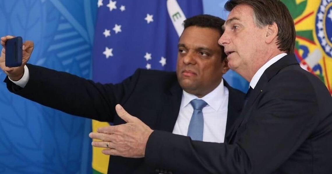Deputado Otoni de Paula diz que Witzel o intimidou com foto de toga e aciona PGR