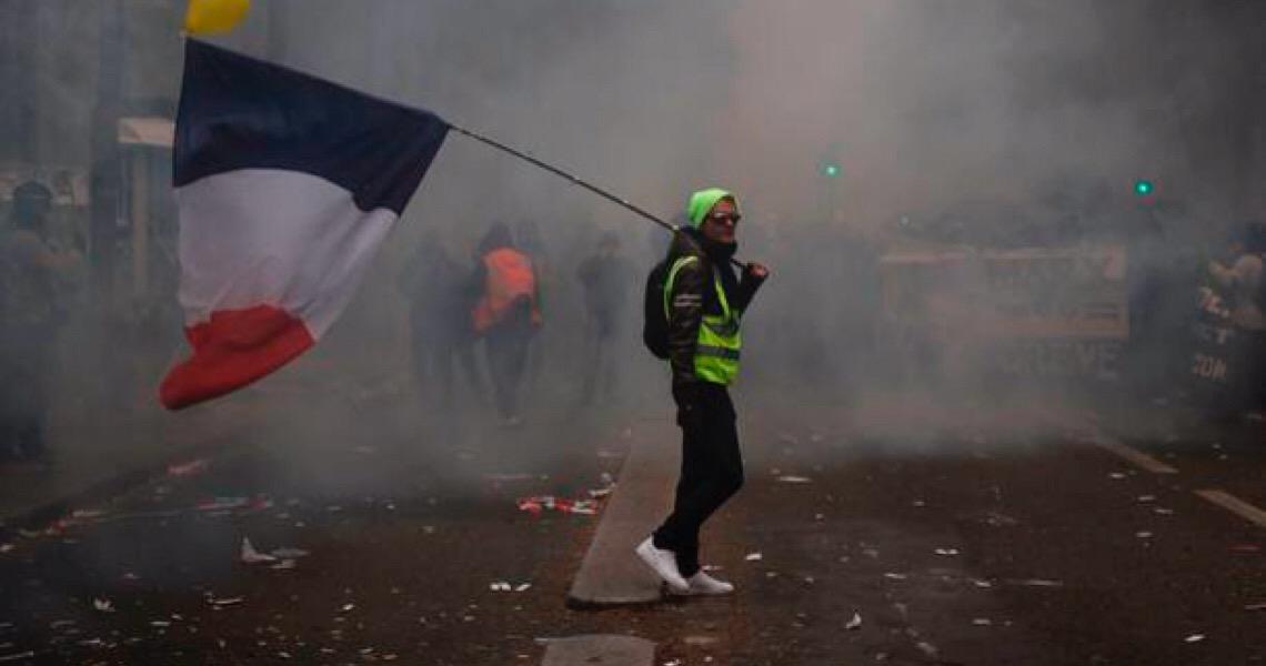 Franceses vão às ruas pelo 2º dia consecutivo contra a reforma da Previdência de Macron