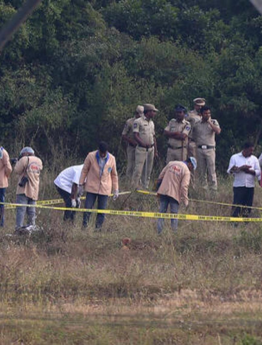 Polícia da Índia mata quatro homens acusados de estupro coletivo e morte de jovem