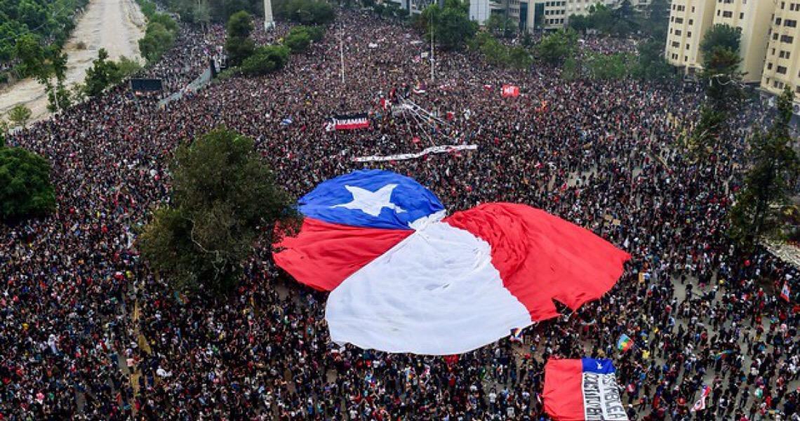 A revolta latina, a crise americana e o desafio progressista