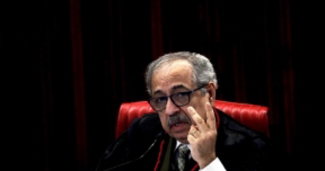 Og Fernandes, o ministro que mandou prender juízes, evita a fama de herói