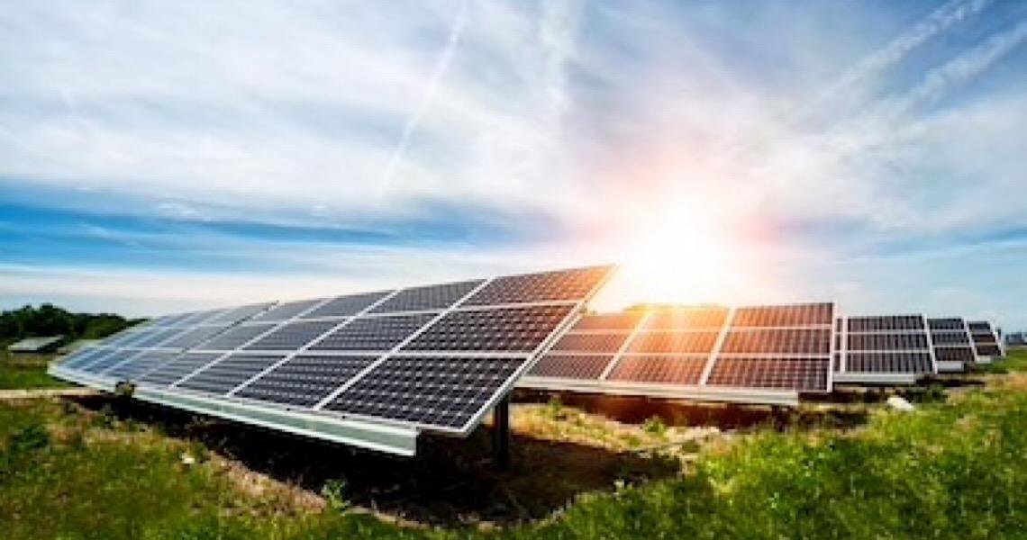 Energia solar sob ataque. Debate de  alta voltagem