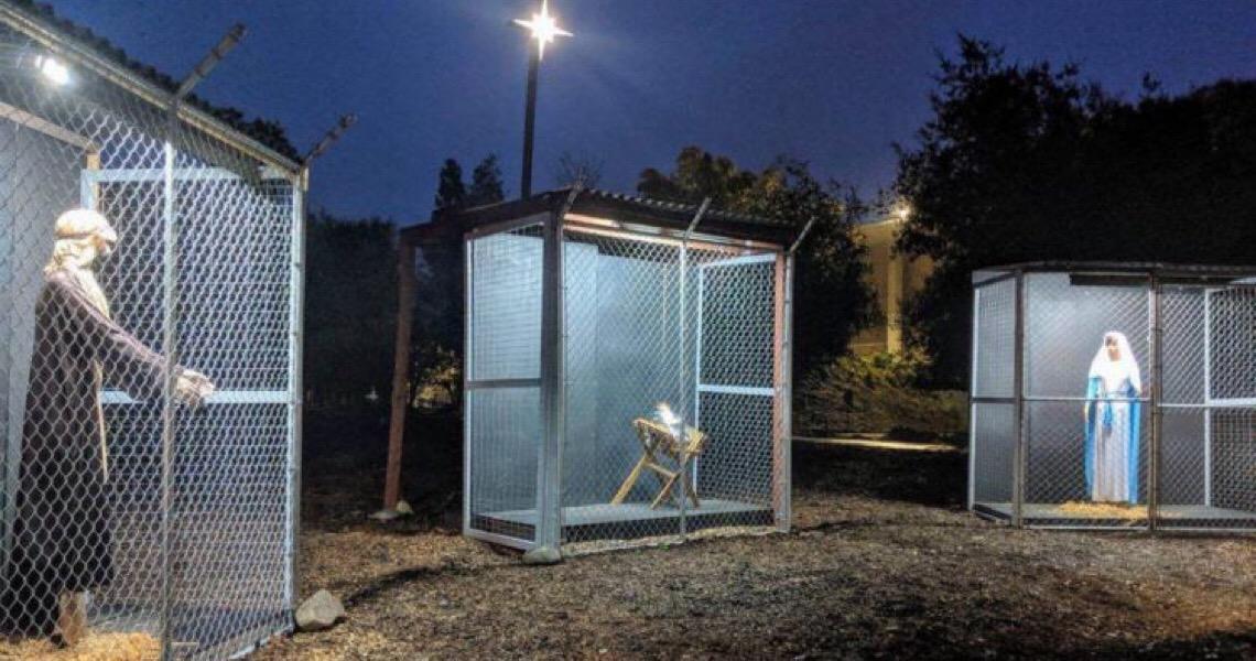 Presépio na Califórnia tem Jesus, Maria e José em jaulas e 'separados na fronteira'
