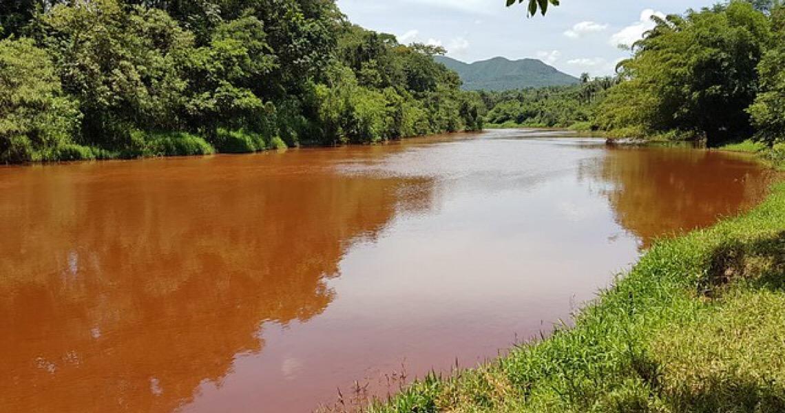 Com Paraopeba morto, há risco de racionamento de água na Região Metropolitana de BH