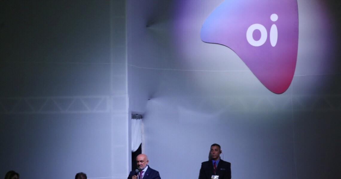 Presidente da Oi anuncia saída do cargo após Operação da PF: 'É só pepino'