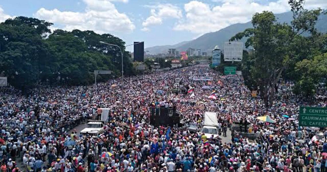 Mais de 1.200 presos protestam por falta de alimentos na Venezuela