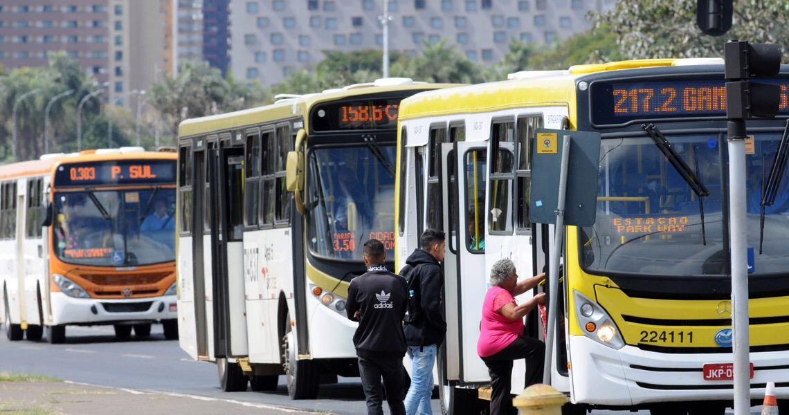 Horários de circulação de ônibus são readequados no período de férias no DF