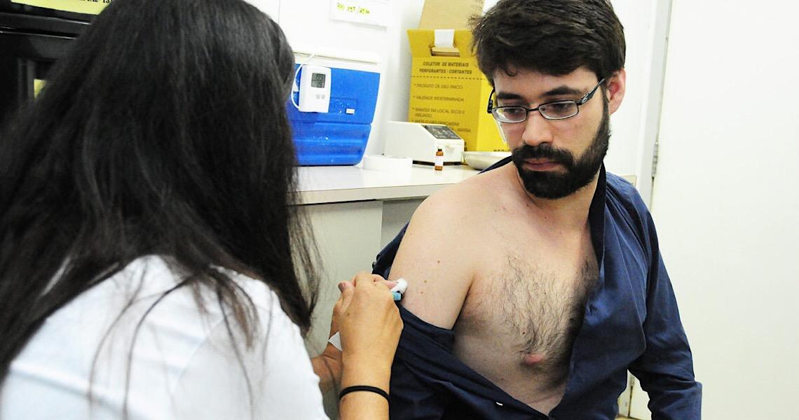 Férias. Se for viajar, não se esqueça de atualizar as vacinas
