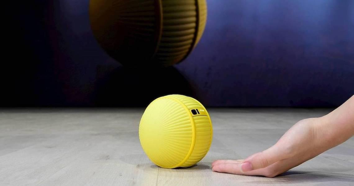 Samsung anuncia Ballie, assistente virtual que segue você pela casa