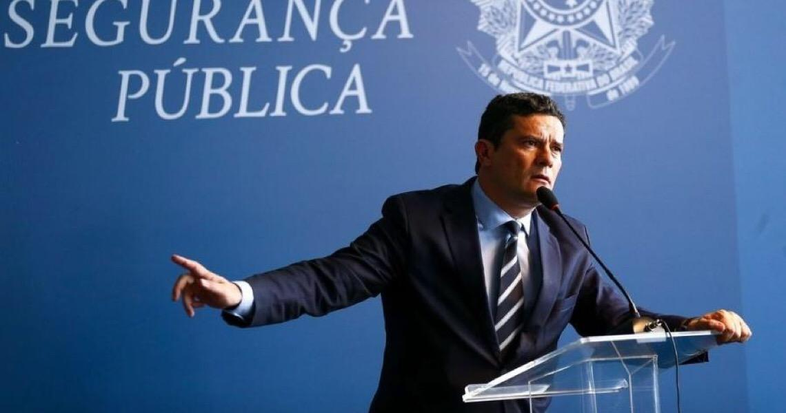 Sergio Moro foi escanteado em projeto de Bolsonaro que reduz punições a agentes