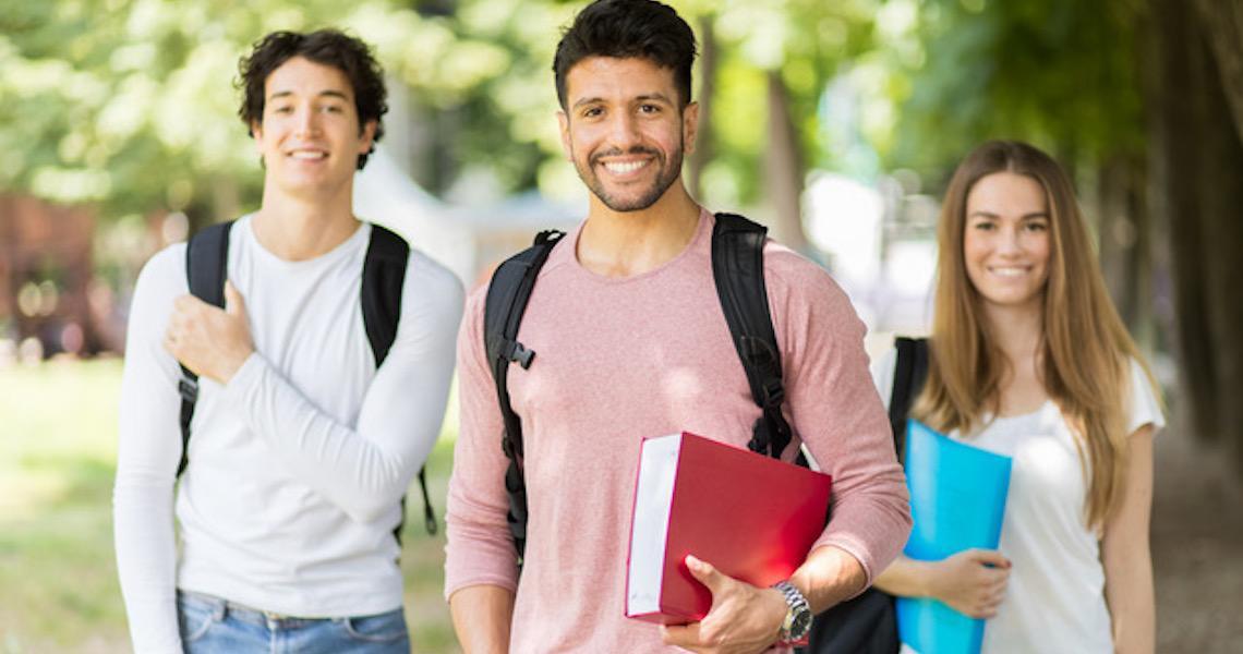 Estudantes de Administração e Direito representam quase metade dos participantes no Enade 2018