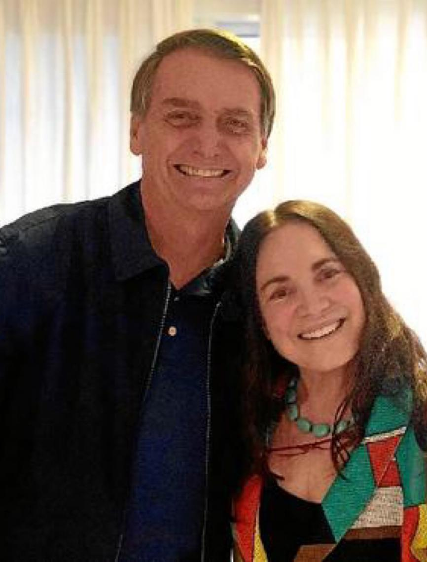 Regina Duarte terá de suspender contrato com a Globo para assumir Secretaria de Cultura