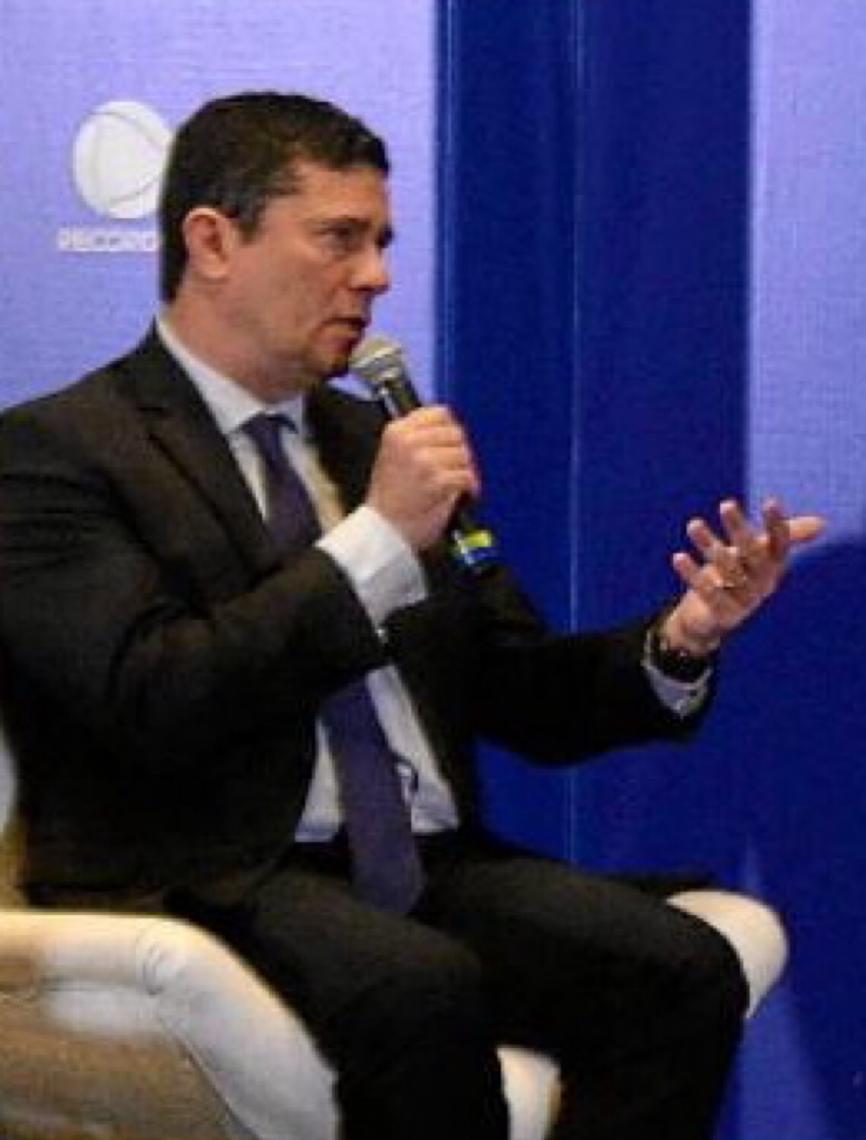 O inferno de Sergio Moro. Movimentos de rua disparam críticas