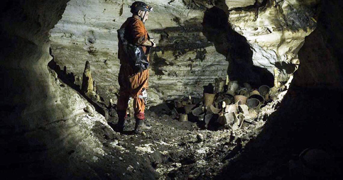 Caverna com pinturas rupestres é descoberta por acidente no Egito