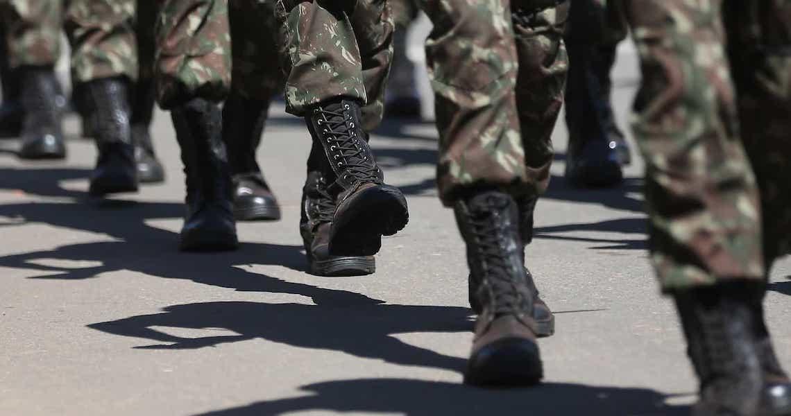 Governo publica decreto para contratar militares no serviço público