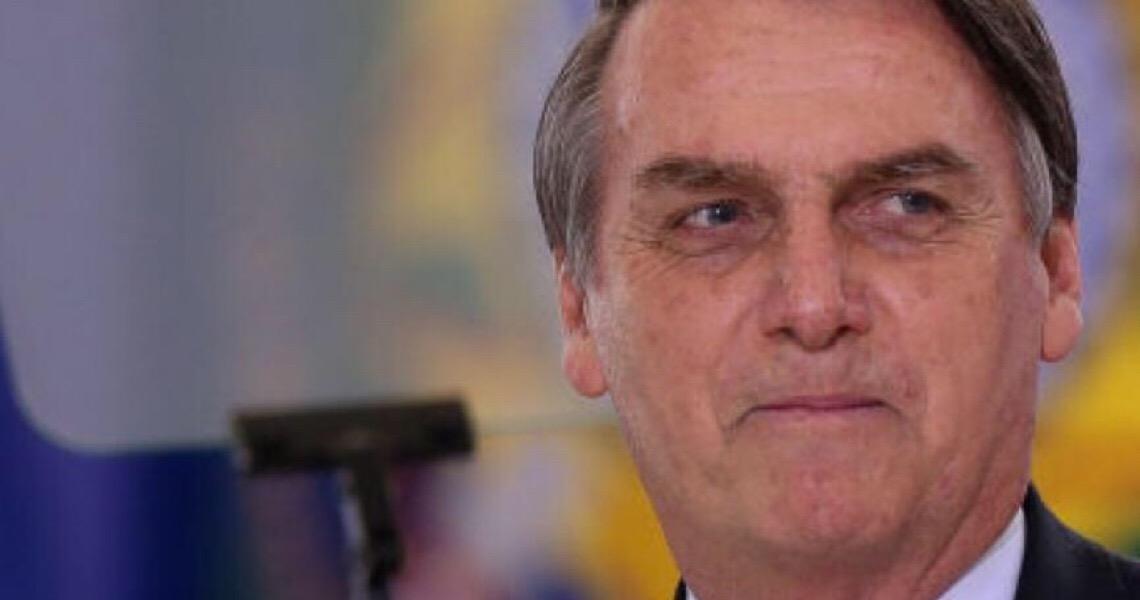 Cerco se fecha na Secretaria de Comunicação da Presidência e no Ministério da Educação