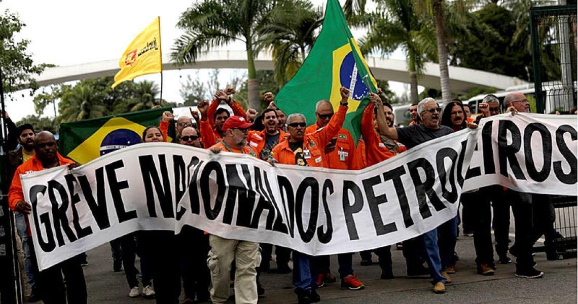 Em greve, petroleiros subsidiam venda de gasolina e gás de cozinha à população