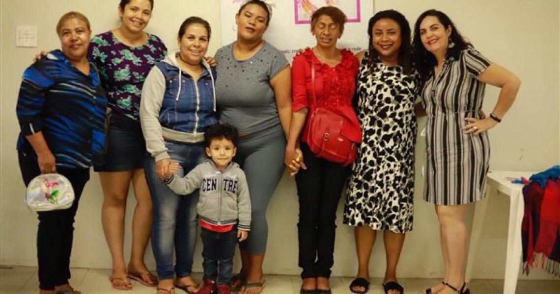 Mulheres do Núcleo Bandeirante participam de palestras sobre autoestima e violência doméstica no DF