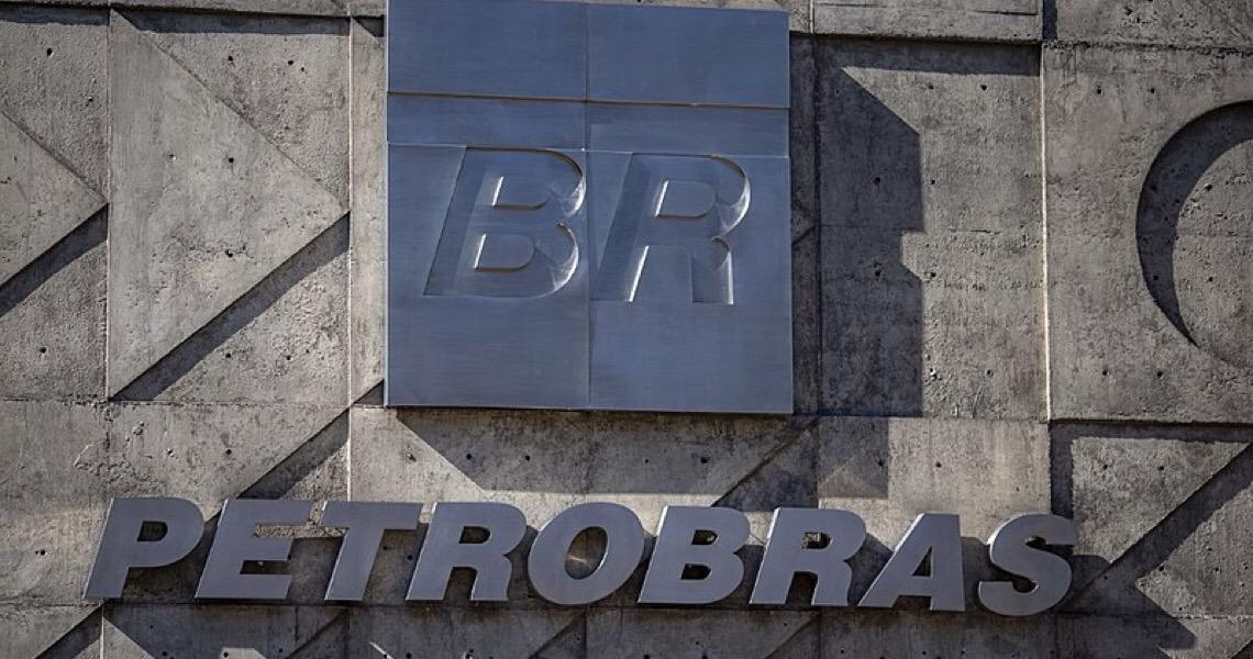 Trabalhadores de 5 plataformas e 2 terminais aderem à greve da Petrobras