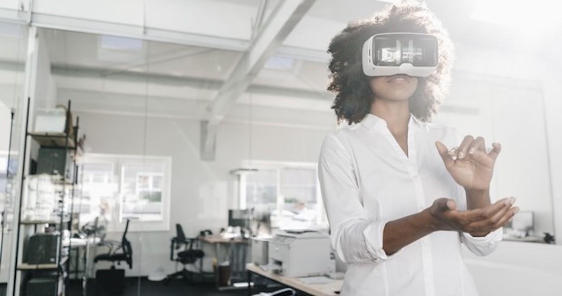 No escritório do futuro, você vai visitar clientes sem sair do lugar