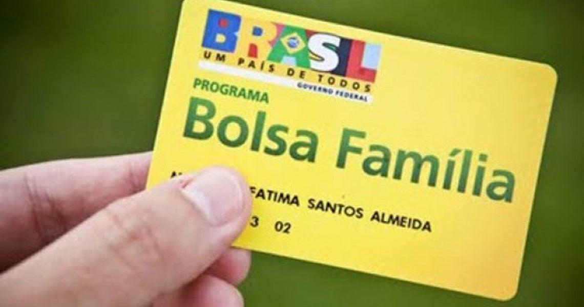 Bolsonaro congela Bolsa Família e fila de espera chega a 3,5 milhões de pessoas