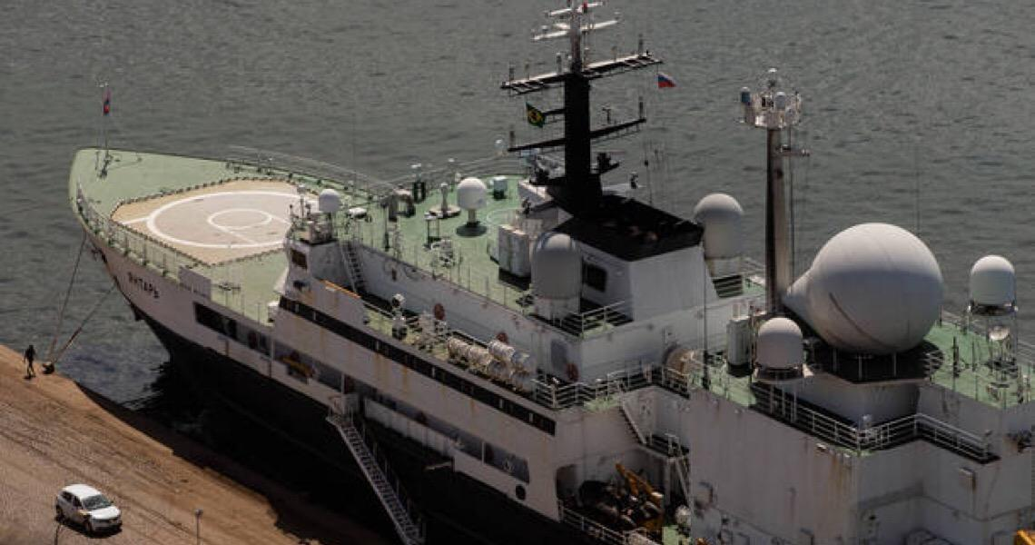 Navio russo suspeito de espionagem coloca Marinha brasileira em alerta