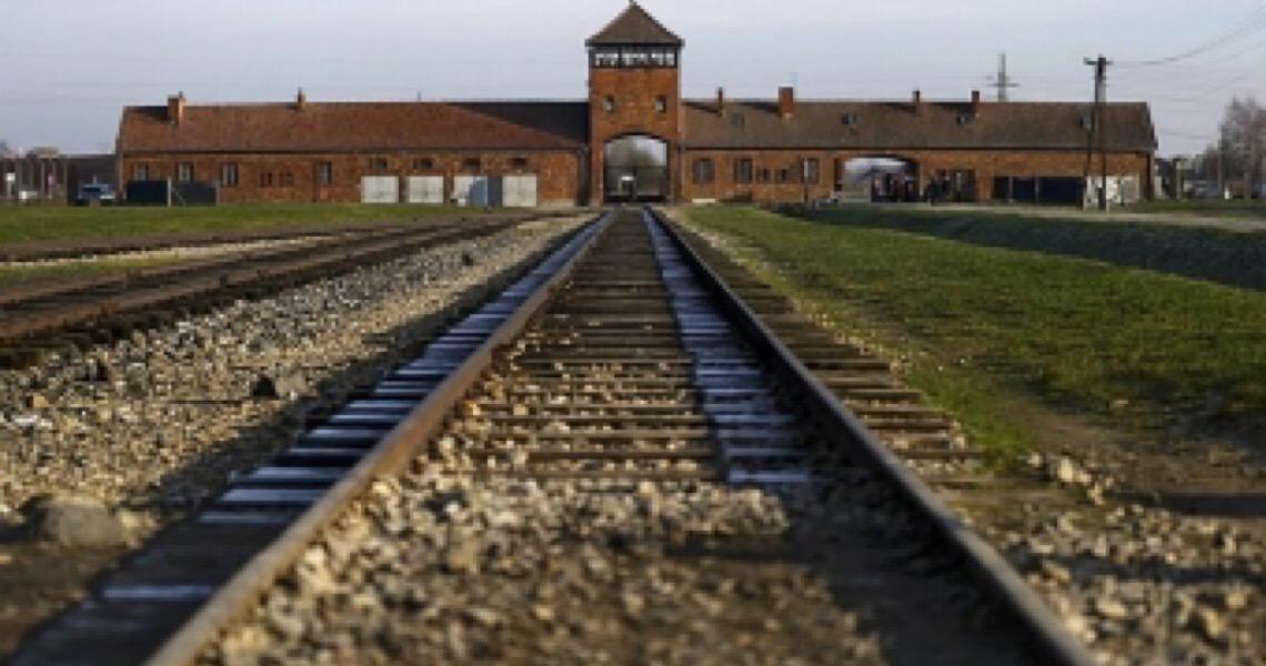 Museu de Auschwitz pede que Amazon exclua livros de propaganda nazista