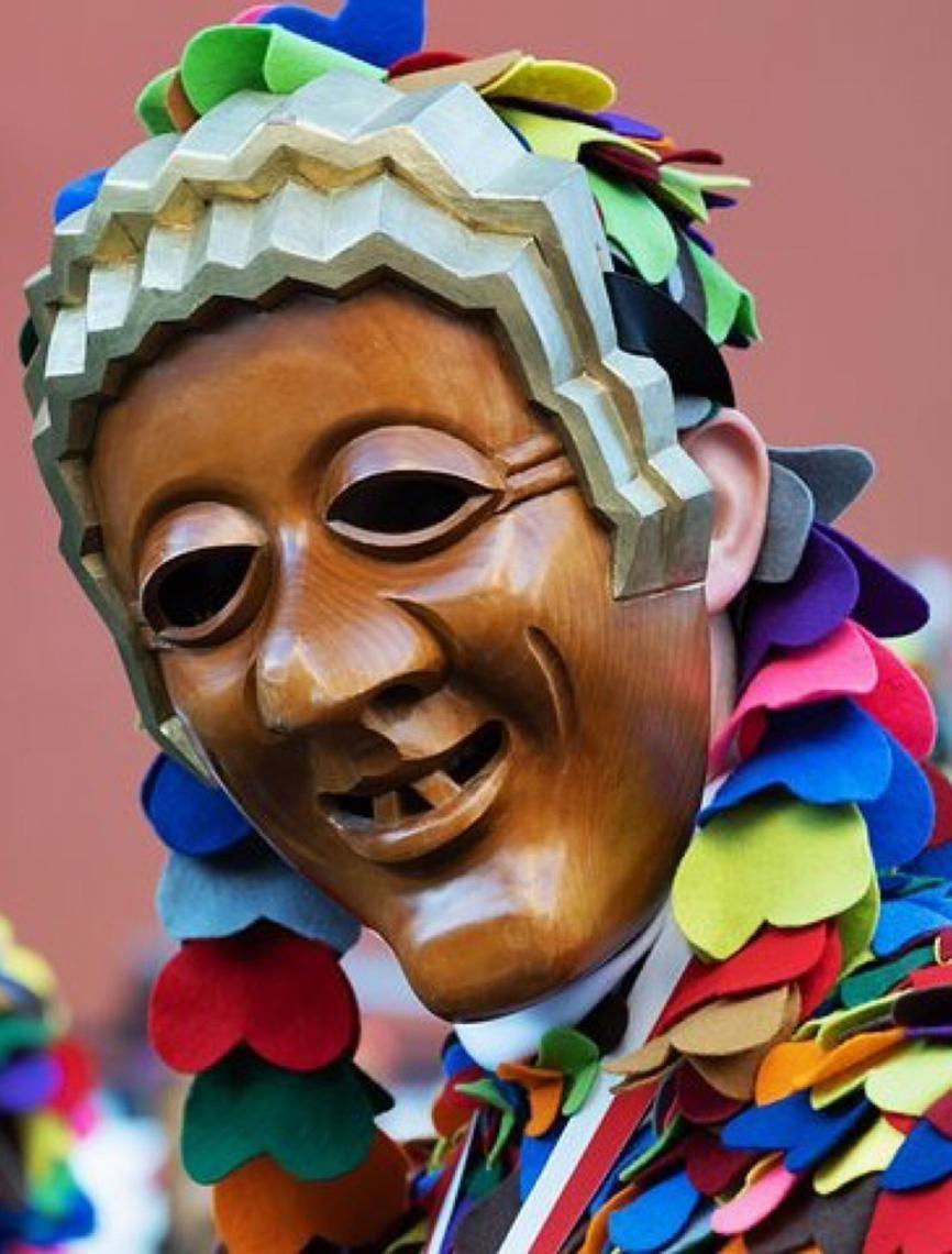 Politicagem e criminalidade regem os desfiles de carnaval