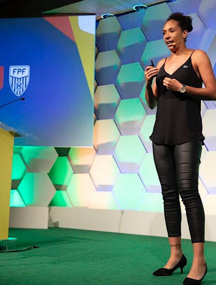 Ex-capitã diz que a geração atual do futebol feminino é melhor