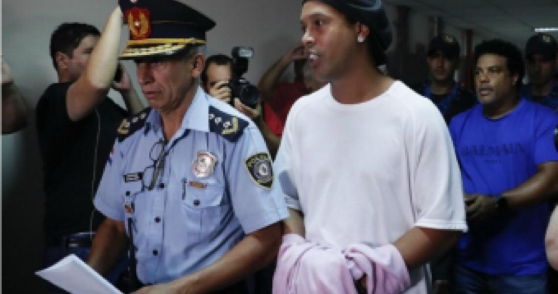 Entenda como está o caso em que Ronaldinho Gaúcho é acusado de usar documentos adulterados