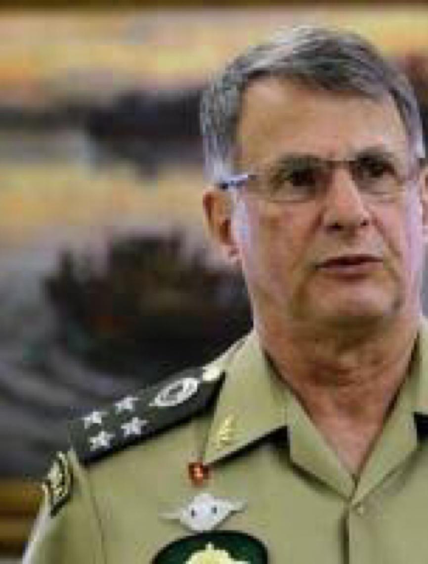 General Pujol, comandante do Exército contraria Jair Bolsonaro sobre coronavírus
