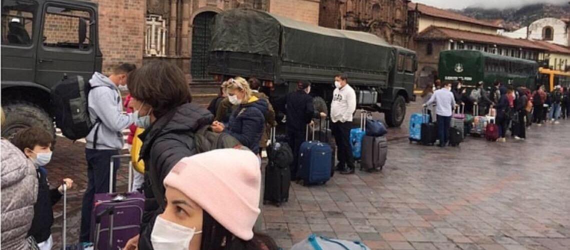 Brasileiros relatam saga para deixar o Peru; outros 600 continuam no país