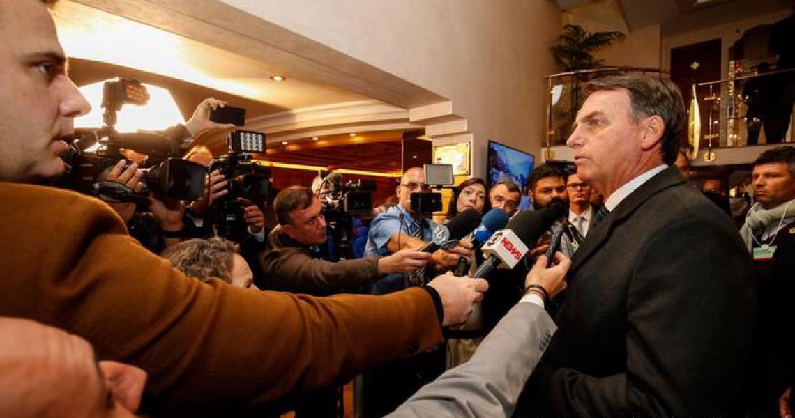 Jornalistas abandonam coletiva de Jair Bolsonaro