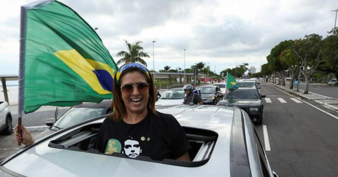Resposta de Bolsonaro à pandemia de coronavírus polariza sociedade
