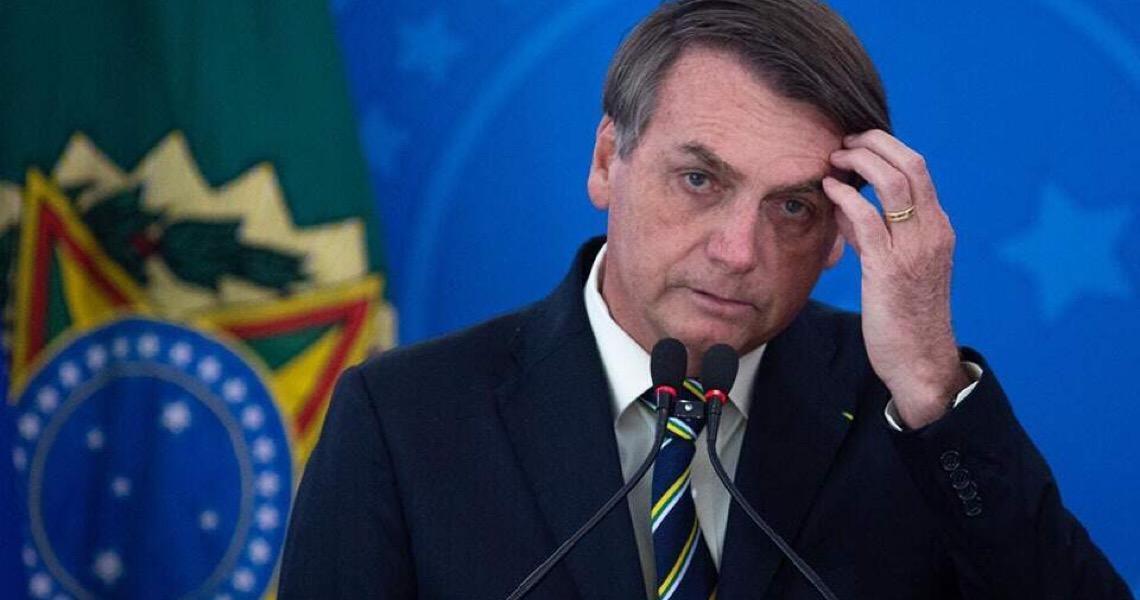 Jair Bolsonaro muda tom de pronunciamento, volta a citar OMS e é alvo de panelaço
