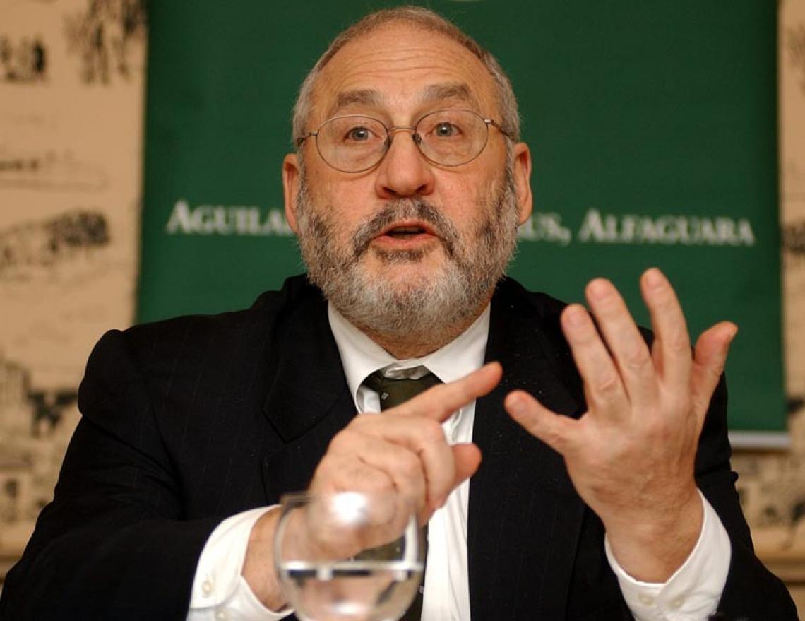 """Stiglitz: """"Nos EUA não temos liderança, e no Brasil vocês têm uma ainda pior""""; Prêmio Nobel de Economia"""