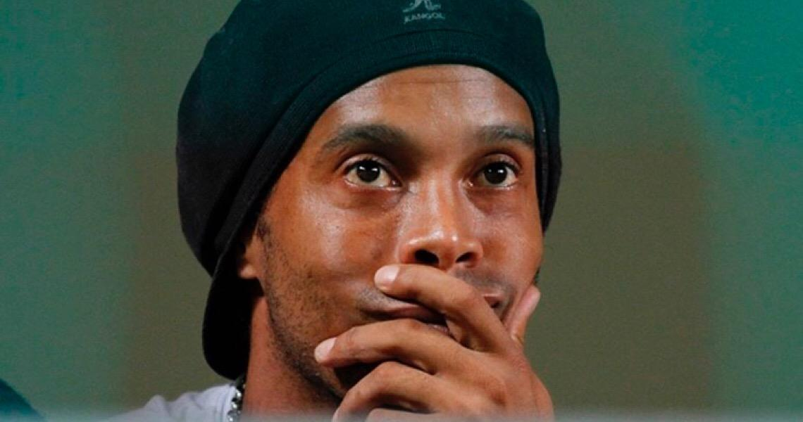 Ronaldinho fala pela 1ª vez sobre prisão: