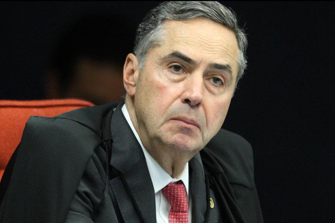 'Impeachment é a última opção', afirma Barroso