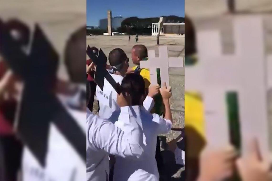"""Enfermeira agredida por bolsonaristas: """"Só queriam ofender e machucar"""""""