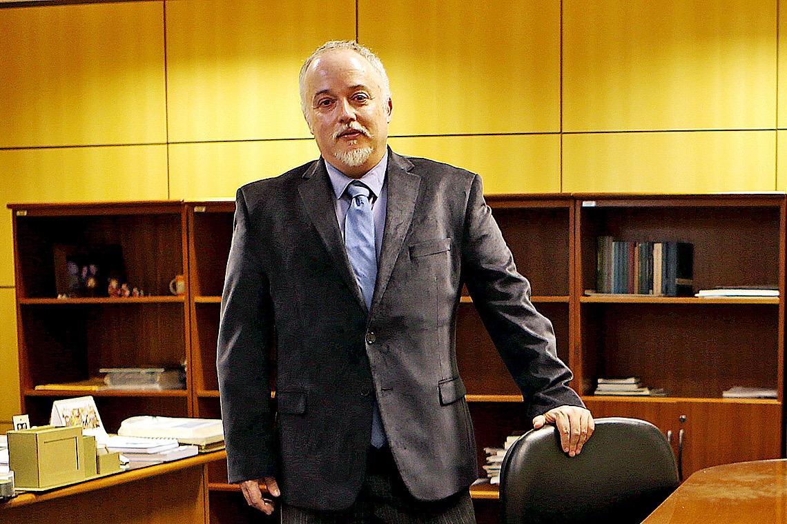 """""""Não resta outro caminho que não exigir o impeachment de Bolsonaro"""", diz Carlos Fernando dos Santos"""