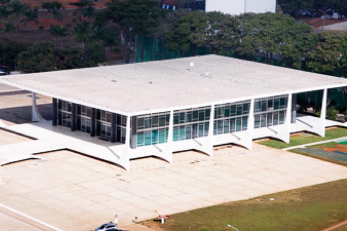 """Bolsonaristas convocam para invasão do STF: """"Dar cabo dessa patifaria"""""""