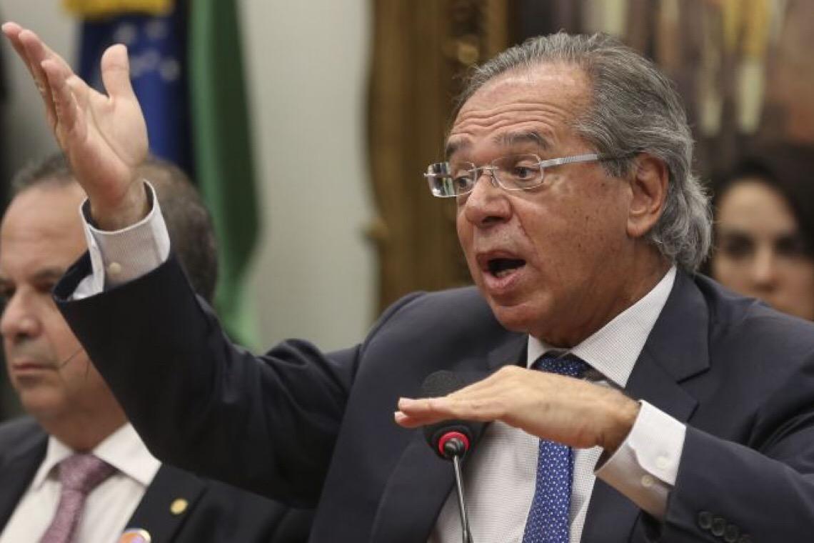 Bolsonaro é o maior estorvo para a economia, dizem técnicos do governo