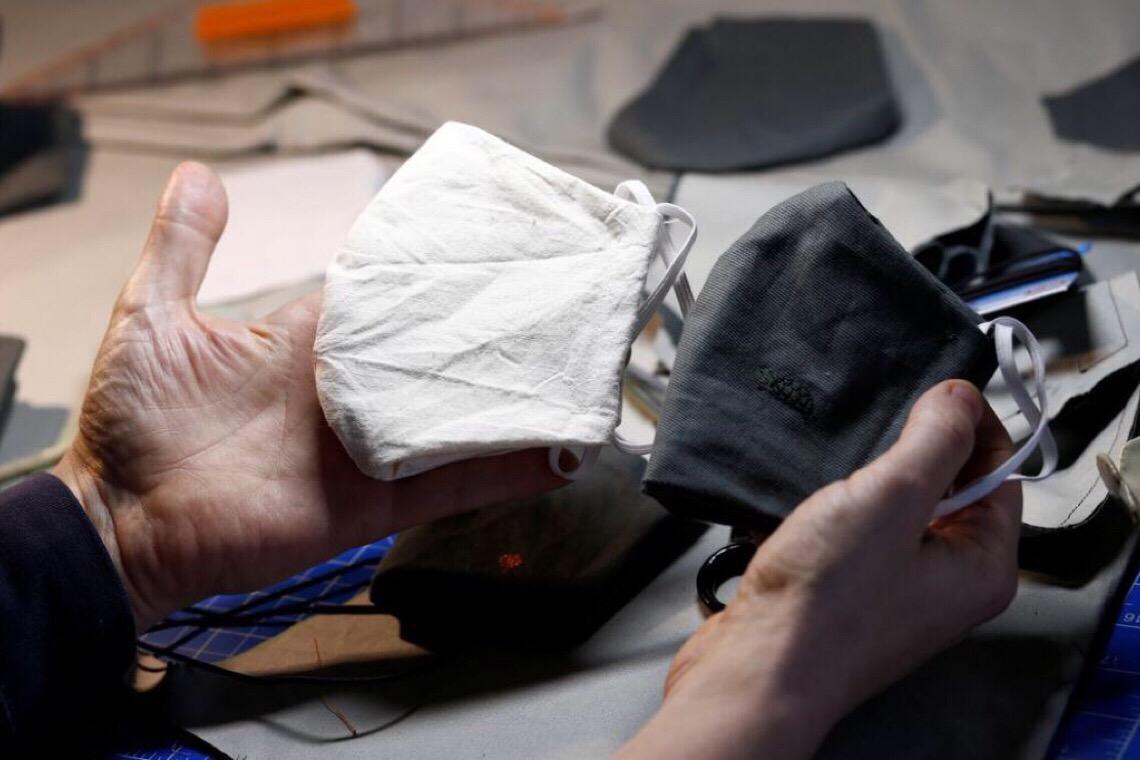 Companhias aéreas passam a cobrar uso de máscaras por passageiros
