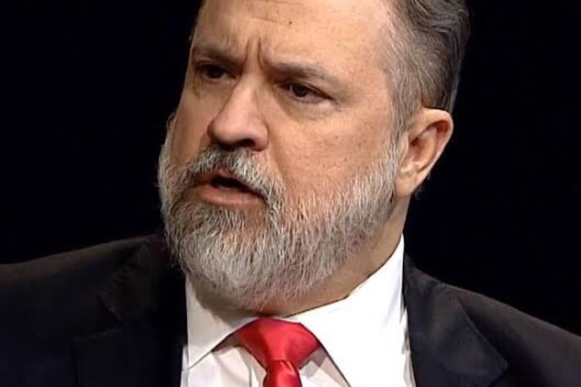 Aras recorrerá ao STF contra transcrição na íntegra do vídeo ministerial