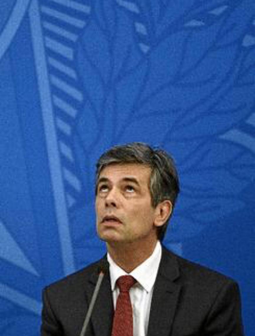 Teich desacreditado:  Ministro é figura coadjuvante no combate à covid-19