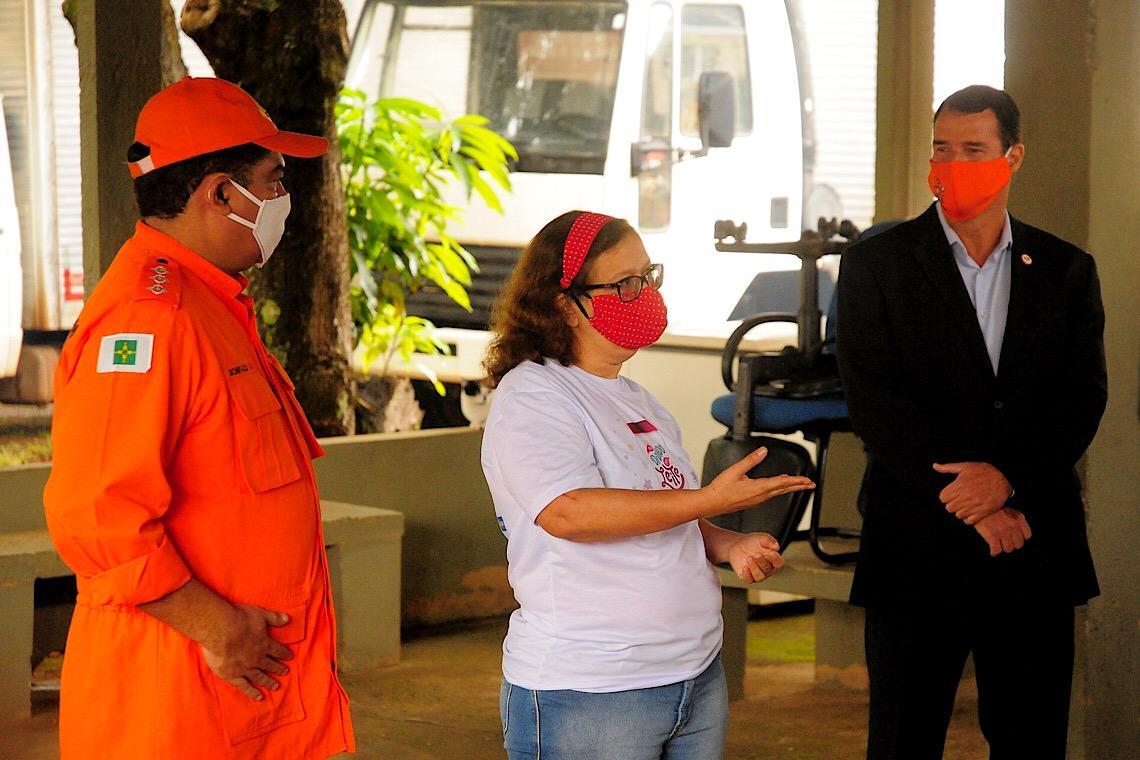 Corpo de Bombeiros doa 14 viaturas para bancos de leite do DF